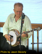 Stan Brown playing his Mahogany Kel Kroydon New Generation Banjo